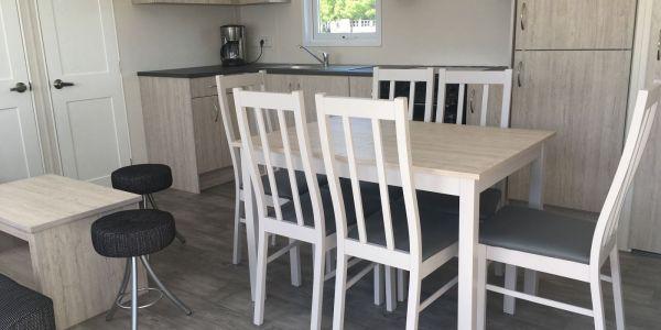 Hals Strand Camping Mobilhome stort køkken alrum