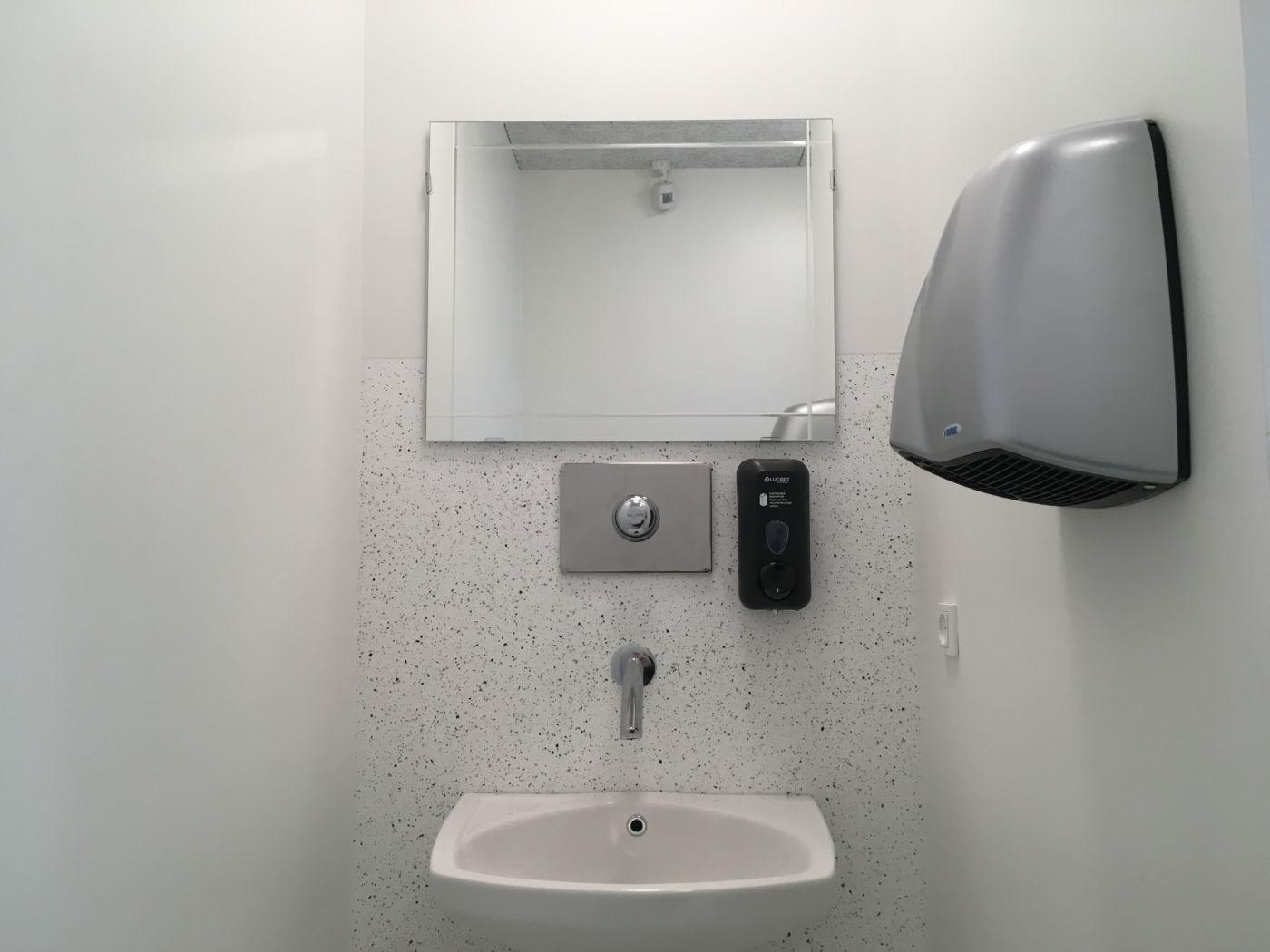 Nye toiletfaciliteter midt på pladsen